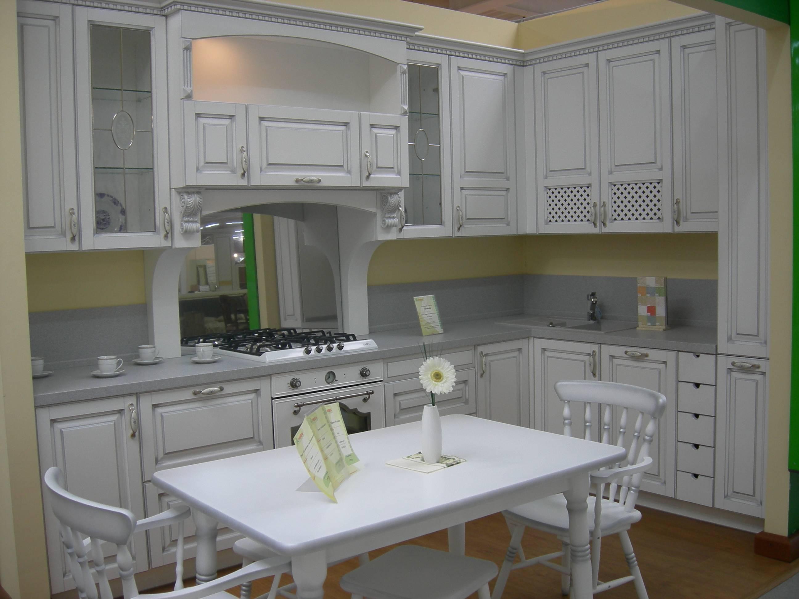 Кухню с экспозиции по распродаже